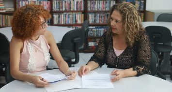 Sônia Maria e Lucileia Ferreira discutem projeto para cidade abrangida pela UEMASUL.