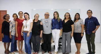 Professores do curso de Letras e pró-reitora de Pesquisa, Pós-Graduação e Inovação.