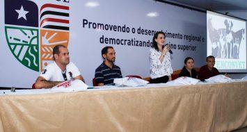 Empresários de quatro clínicas do setor veterinário realizam palestras aos estudantes.