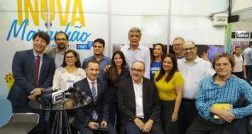 Reitora Elizabeth Nunes Freire acompanhada de colegas e integrantes do evento marcam participação da UEMASUL na SBPC.