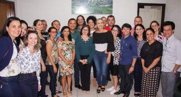 Professores, representantes da UEMASUL e integrantes do Programa de Formação de Discentes reunidos para debater planos que atinjam meta pré-estabelecida pelo Plano Estadual de Educação do Estado do Maranhão (PEE-MA).